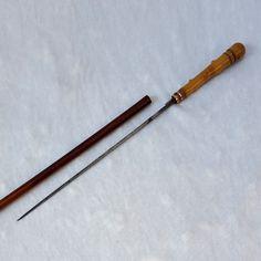 Badine-dague, canne-épée, cravache-épée, canne à système