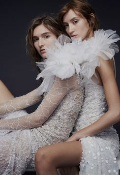 rocker wedding dresses - The rocker wedding dresses making up the latest Vera Wang fall 2015 collection really shows the direction such big events are taking. Vera Wang Bridal, Vera Wang Wedding, 2015 Wedding Dresses, Bridal Dresses, Wedding Gowns, Bridal Looks, Bridal Style, Bridal Collection, Dress Collection