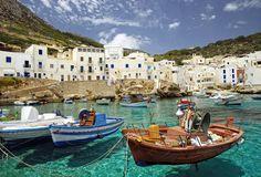 santorini, greece... neeeeed to go there.