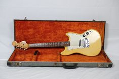 Fender Bronco, Cool Electric Guitars, Pretty Lights, Some Pictures, The Originals, Cool Stuff
