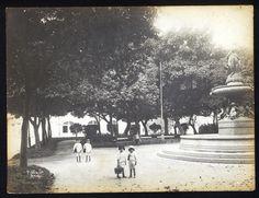 Praça São Salvador, no Flamengo Augusto Malta 1903-1920 Museu da Imagem e do Som, Rio de Janeiro