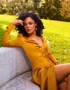 Tumblr is a place to express yourself, discover yourself, and bond over the stuff you love. It's where your interests connect you with your people. Tessa Thompson, Black Women Art, Beautiful Black Women, Marie Claire, Marvel Photo, Marvel Women, Beauty Shots, Mellow Yellow, African Women
