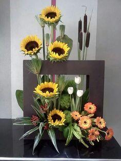 arreglos de flores, uvas y trigo - Buscar con Google
