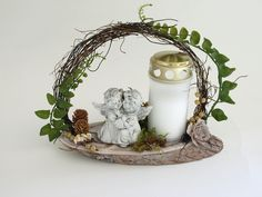 White Christmas, Christmas Wreaths, Ikebana, Funeral, Advent, Flower Arrangements, Crafts For Kids, November, Projects To Try