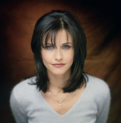 feathered hair styles courteney cox as e geller bronde 3003