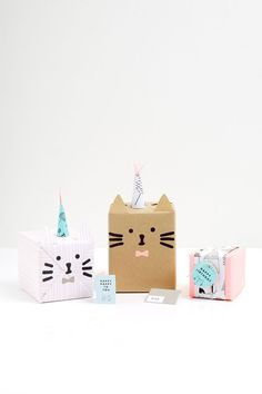 turn presents into something unique with these creative gift wrapping ideas for kids Present Wrapping, Creative Gift Wrapping, Wrapping Ideas, Creative Gifts, Pretty Packaging, Gift Packaging, Craft Gifts, Diy Gifts, Handmade Gifts