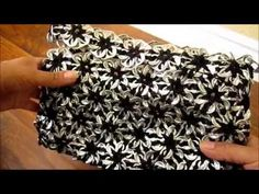 Flower purse 'how to' crochet with pop can tabs (in Spanish)