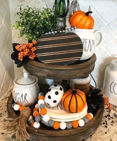 Ways To Decorate Your Tiered Tray For Halloween These trendy DIY and Craft ideas would gain you amazing compliments. Check out our gallery for more ideas these are trendy this year. Farmhouse Halloween, Halloween Home Decor, Fall Home Decor, Autumn Home, Fall Halloween, Halloween Decorations, Fall Decorations, Halloween Tips, Autumn Nature