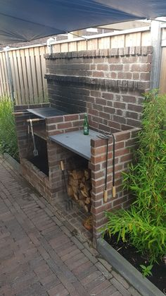 Want to know about garden sheds? Then here is definitely the right place! Brick Built Bbq, Brick Grill, Built In Bbq, Outdoor Kitchen Patio, Backyard Patio, Backyard Landscaping, Pit Bbq, Bbq Shed, Outdoor Barbeque