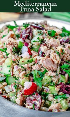 You will LOVE this No-Mayo Mediterranean Tuna Salad! Loads of texture and flavor… You will LOVE this No-Mayo Mediterranean Tuna Salad! Loads of texture and flavor from fresh veggies, herbs, and a zesty vinagirette. A must-try form TheMediterraneanD… Mediterranean Tuna Salad, Mediterranean Diet Recipes, Mediterranean Dishes, Mediterranean Diet Breakfast, Seafood Recipes, Cooking Recipes, Healthy Recipes, Healthy Meals, Tuna Fish Recipes