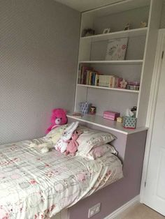 Perfect finish with bedding, painted areas and storages lips/shelves bulkhead bedroom, stairs Childrens Bedroom Storage, Small Bedroom Storage, Small Room Bedroom, Trendy Bedroom, Small Rooms, Box Room Bedroom Ideas For Kids, Kids Room, Box Room Ideas Small, Small Apartments