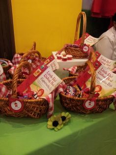 Gift baskets for red riding hood party