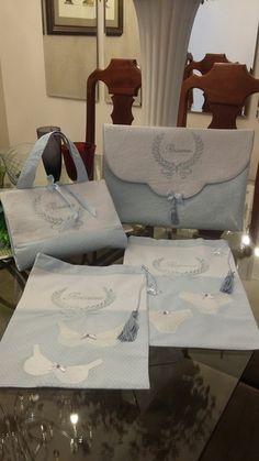 caeca27428d42 KIt para viagem Bleu Luxe  100% algodão e piquet 1 necessaire tipo envelope  1 necessaire porta maquiagem 1 saquinho para lingerie 1 saquinho para meias  ...