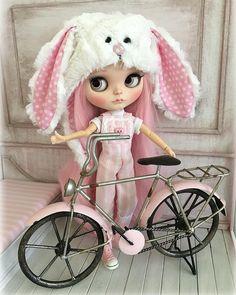 #blythe #blythedoll #blythepink #blythebunny #blythestagram #customblythe #dollphotography #dollsofinstagram #pink #bunny #easter #ilovepink #blytheoutfit