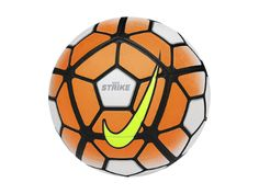Nike Strike voetbal