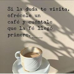 Good Morning Coffee, Coffee Break, Coffee Mornings, Cafe Quotes, Book Quotes, Coffee And Books, I Love Coffee, Positive Phrases, Coffee Wine