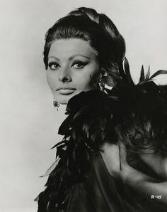 Sofia Loren - I love the use of black liner and the definition shown on her cheek bones. Also how defined her eye brows are
