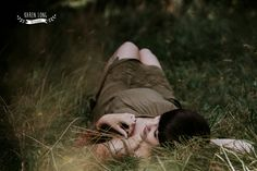 Outdoor maternity photo shoot, natural and imposed but still super lovely.