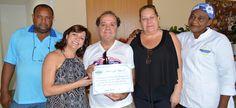 Cesar Donizeti é homenageado por seus funcionários