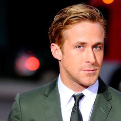 Report: Ryan Gosling Set to Star in a Live-Action Disney Film Ryan Gosling Haircut, Ryan Gosling Style, James Dean Haircut, Mens Hair Trends, Man Images, Disney Films, Haircuts For Men, Hipster Haircuts, Live Action