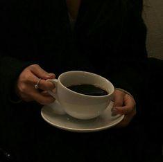 black aesthetic coffee hands grunge dark shadows night korean kawaii cute g e o r g i a n a : a e s t h e t i c s Aesthetic Coffee, Night Aesthetic, Brown Aesthetic, Aesthetic Grunge, Aesthetic Fashion, Aesthetic Women, Aesthetic Outfit, Aesthetic Bedroom, Dark Paradise