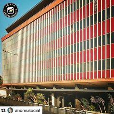 @instalhospitalet @marsvalls Moltes gràcies també per la ressenya històrica!!! :))))) ----- Bon dia amIGs!  Aquesta és una de les fotos destacades d'avui 10/09/2016. Autor: @andreusocial  Aquest és un dels edificis més emblemàtics de la nostra ciutat  La Vanguard  va ser una de les empreses més importants de l'època dels 70 va arribar a tenir fins a 1.700 treballadors!! S'hi fabricaven principalment els primers televisors en color  i d'altres  electrodomèstics.... Després del seu tancament…