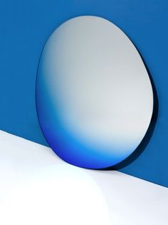 Seeingglass Offround Hue by Brit van Nerven & Sabine Marcelis / commissioned by Etage Projects