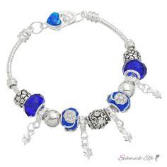Armband Charms & Beads dunkel blau  KLEEBLATT  im Organza...