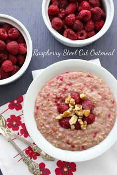 A simple and comforting bowl of oats is a perfect low GI meal. It gives you complex carbohydrates, protein and fat (yes, fat - did you know that oats contain the highest amount of fat of all grains...
