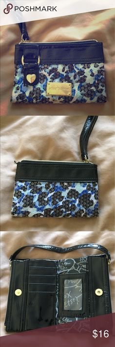 "Betsey Johnson Wristlet Wallet Great condition and super cute! Approximately 6.25"" wide and 4.25"" tall Betsey Johnson Bags Clutches & Wristlets"