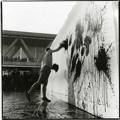 Shigeo ANZAÏ, Ushio Shinohara, Out of Actions Between Performance and the Object 1949-1979, Museum of Contemporary Art, Tokyo, February 13, 1999 ©ANZAÏ