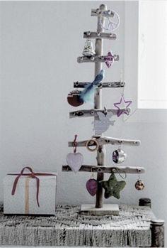 arboles navidad originales rbol de navidad reciclar muebles balamuda imagen by balamuda pinterest navidad decoration crafts and