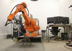 The MX3D-Metal uses a combination of robotics, 3D printing and welding
