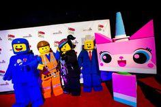 Em uma noite de muito brilho e glamour, condizente com a premiere de um clássico de Hollywood, o complexo Legoland Florida Resort recebeu celebridades, imprensa e convidados especiais para a inauguração - realizada na data de ontem (28 de janeiro de 2016) da nova atração...