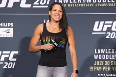 A great video of the female UFC bantamweight champion Amanda Nunes has appeared on the net. The video shows the UFC superstar leaving the airport Amanda Nunez, Ufc, Conor Mcgregor, Body Motivation, Great Videos, Celebrity News, Superstar, Champion, Female