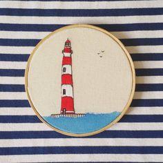 Eu quero navegar… ⚓ #embroidery #embroideryhoop #embroidered #embroideryart #handembroidery #art #desenho #draw #drawing #sea #ocean #bordei #bordadoamao #feitoamao #handmade #lighthouse #farol #paisagem #decor #instadecor #interdecor #decoração #design #interdesign #bh #mg