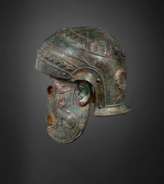Roman iron and bronze helmet, ca 150 A.D. Roman Artifacts, Ancient Artifacts, Gaule Romaine, Greek Helmet, Roman Helmet, Roman Armor, Ancient Armor, Roman Legion, Roman Era