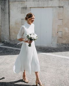 dresses casual midi Bohemian Summer Beach Wedding Dress High Neck Tea Length Chiffon Pleated Simple Open Back Women Bridal Gowns, 629 from Loveprom Casual Bride, Casual Wedding, Summer Wedding, Wedding Rehearsal Outfit, Trendy Wedding, Boho Wedding, Men Casual, Princess Wedding Dresses, Modest Wedding Dresses
