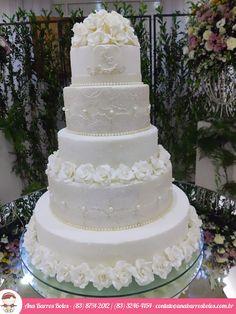 A Elegância em Bolo de Casamento... Bolo de Casamento com Pérolas, Flores e Amor!