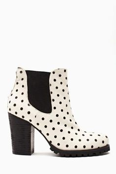 Hot Dot Chelsea Boot. #ShoeCult by #NastyGal