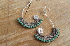 handmade macrame earrings with silver plated por ARTEAMANOetsy