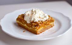 Pumpkin Cheesecake Crunch Bars   Yammie's Noshery