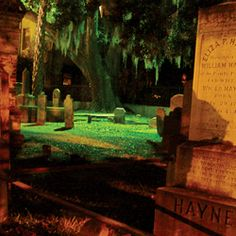 A nighttime ghost walking tour in Charleston, SC. Creepy fun!