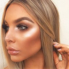 Strong highlight every day, always, forever! Anastasia Beverlyhills 'So Hollywoo. - Augen make up dezent - Glowy Makeup, Contour Makeup, Kiss Makeup, Prom Makeup, Natural Makeup, Wedding Makeup, Hair Makeup, Glowy Skin, Highlighter Makeup