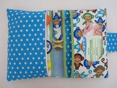 Windeltasche++mit+Reißverschluss+4+Fächer+von+BeFaRo+auf+DaWanda.com Office Supplies, Etsy, Sewing, Knitting, Scrappy Quilts, Diy Gifts, Taschen, Ideas, Dressmaking