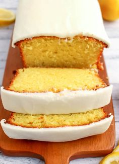 19 Starbucks Favorites You Can Make at Home If you like Starbucks Lemon Loaf, then you'll love this moist, delicious Lemon cake! This easy to make recipe, is loaded with delicious lemon flavor, and topped with an amazing lemon frosting. Starbucks Lemon Loaf, Starbucks Recipes, Loaf Recipes, Cake Recipes, Dessert Recipes, Cooking Recipes, Cooking Chef, Yummy Recipes, Dessert Bread