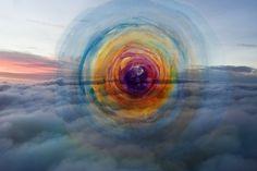 """por Vitor Schietti - """"Formas Pensamento"""". Artes visuales, composicion visual surreal, foto digital y acuarela. #atardecer #coolstuff #iconocero #artPics"""