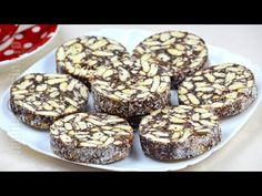 Salam de biscuiti / Biscuit Salami (CC Eng Sub) No Cook Desserts, Homemade Desserts, Cookie Desserts, Sweets Recipes, Baking Recipes, Cake Recipes, Romanian Desserts, Romanian Food, No Bake Cookies