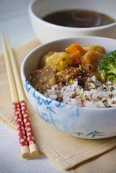 Japanese Curry Rice is sooo good! Japanese Dishes, Japanese Food, My Favorite Food, Favorite Recipes, I Love Food, Good Food, Japanese Curry, Asian Cooking, Curry Rice