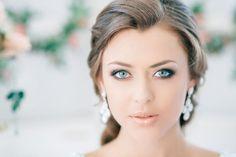 Ideen modernes Braut-Make up-Ideen blaue Augen-Lidschatten dezent